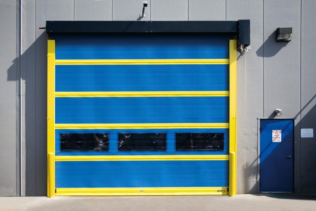 Model 883 Industrial garage door